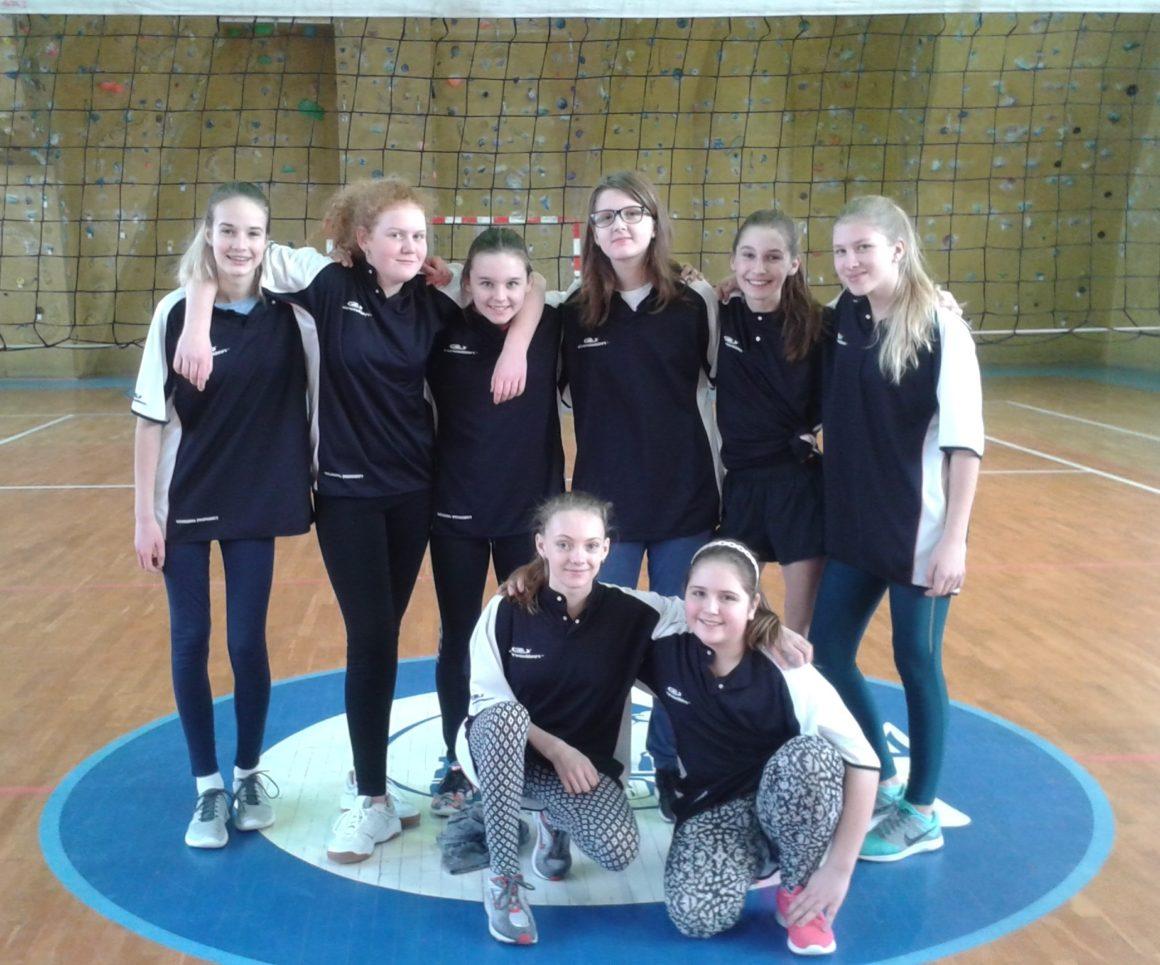 Turnaj mladších žákyň v přehazované
