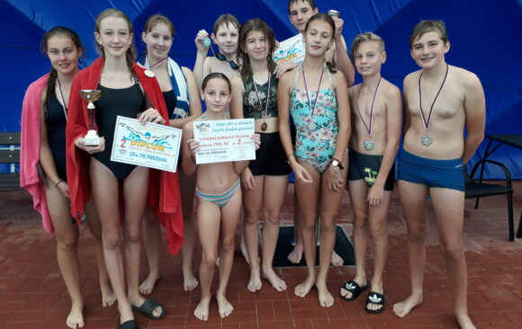 Plavecká štafeta aneb 50m od prázdnin